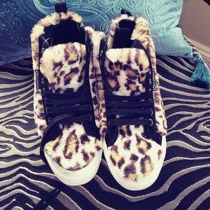 NWOT Superga Jocelyn faux fur hightops; Sz 7